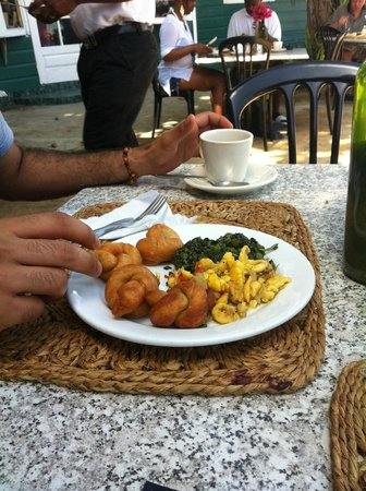 Bar-B-Barn: jamaican breakfast