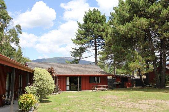 Asure Parklands Motor Lodge: Lodge Grounds