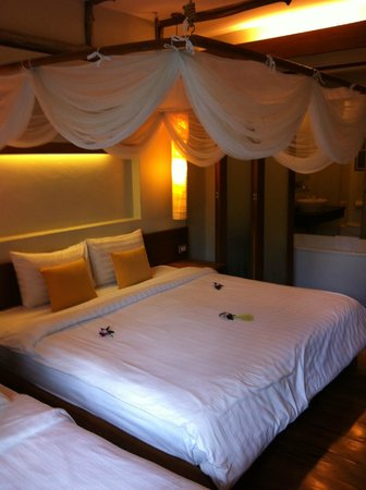 Metadee Resort and Villas: Bedroom