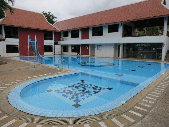 Suan Bua Hotel & Resort: Beautiful pool and Gym