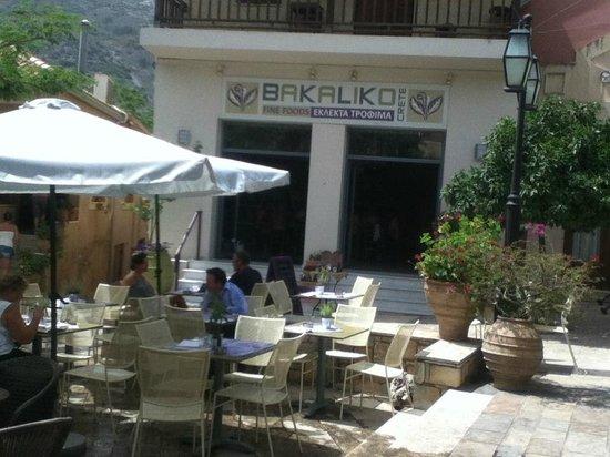 Bakaliko: The main square