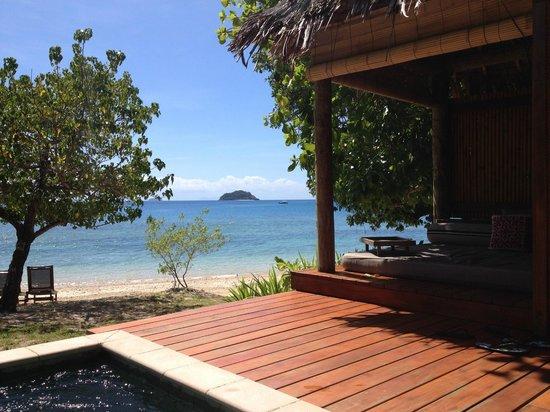 Likuliku Lagoon Resort: Day bed overlooking the water