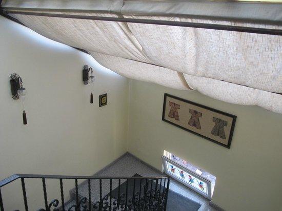 Ottoman Hotel Imperial : Una escalera