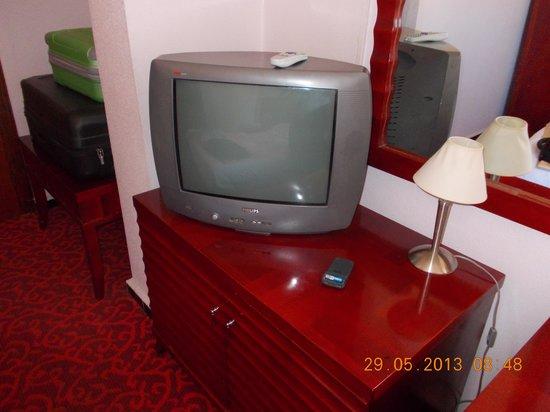 Hotel Montparnasse: TELE