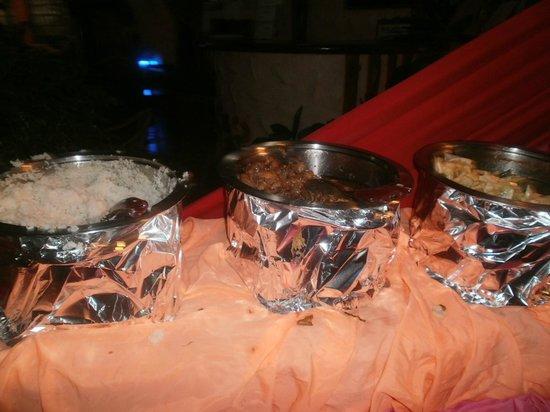 Kalinga Bar and Restaurant: food presentation