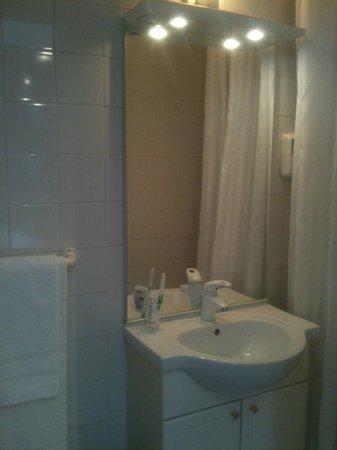 Hotel d'Orleans : Salle de bain