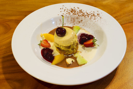 LillyPilly's Country Cottages - Day Spa & Wellness Retreat: Dessert at Lillypillys