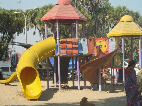 Paramount Beach Resort : Children play park nagoa