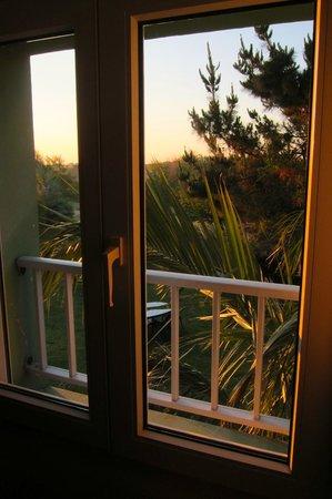 Hotel Aux Tamaris : Vue depuis la fenêtre de la chambre, au lever du soleil