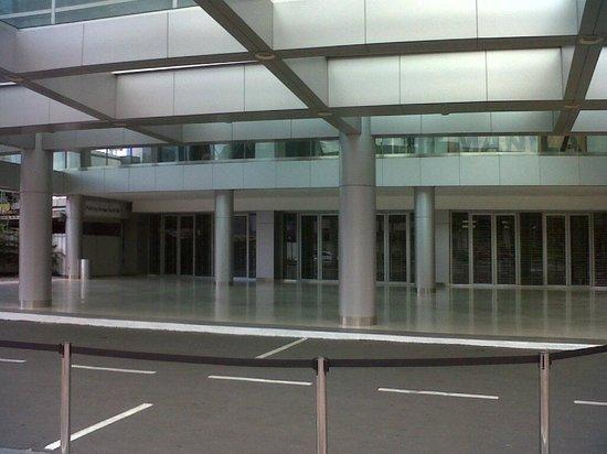 Smart Araneta Coliseum: newly renovated entrance