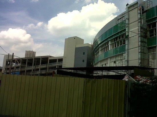 Smart Araneta Coliseum: still some part is under construction