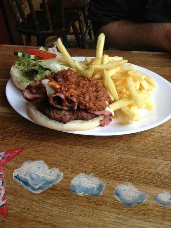 West Coast Rock Cafe : Yummy burger!!