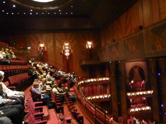 Jersey Boys London: Half-empty theatre