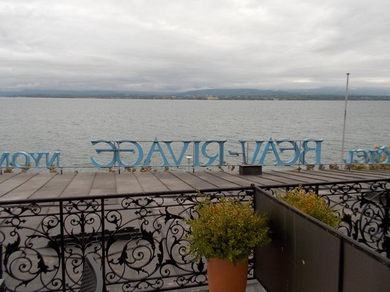 Hotel Beau-Rivage: My view (clouwdy day)