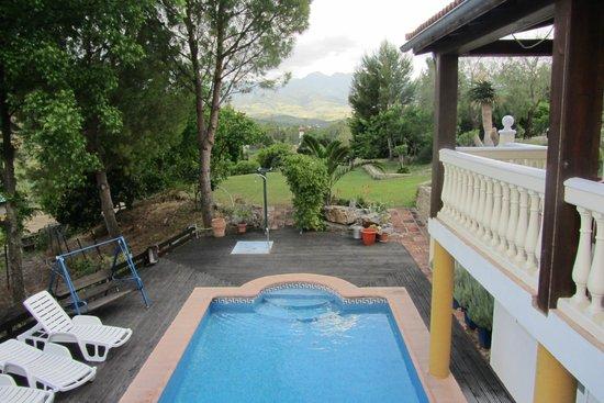 Casa la Parra: lovely pool and garden