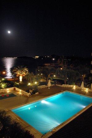 Elea Beach Hotel: Pool area