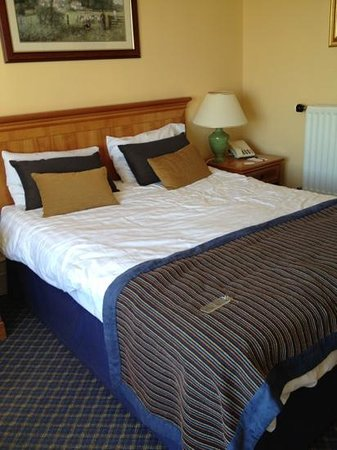 Carnoustie Golf Course Hotel: comfortable bed