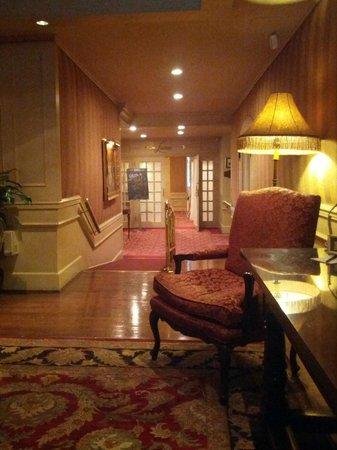 Wedgewood Hotel & Spa: Lobby