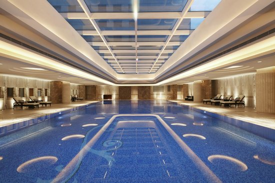 WH Ming Hotel Shanghai: Swimming Pool