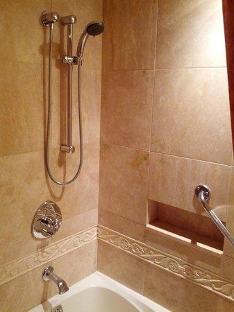 Wedgewood Hotel & Spa: Marbled spa shower