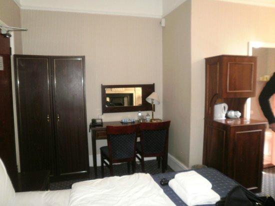 Regency House Hotel: La chambre
