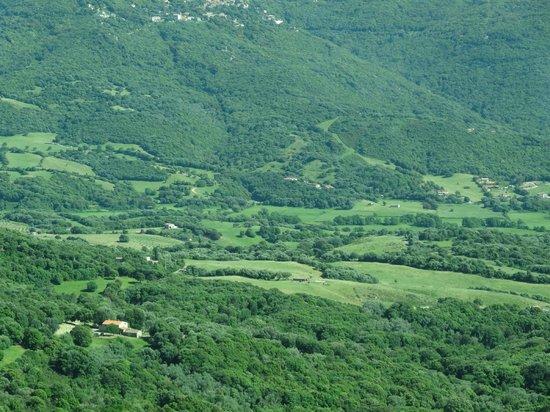 Authentic 'tour: Corsican valley between Ajaccio and Bonifacio
