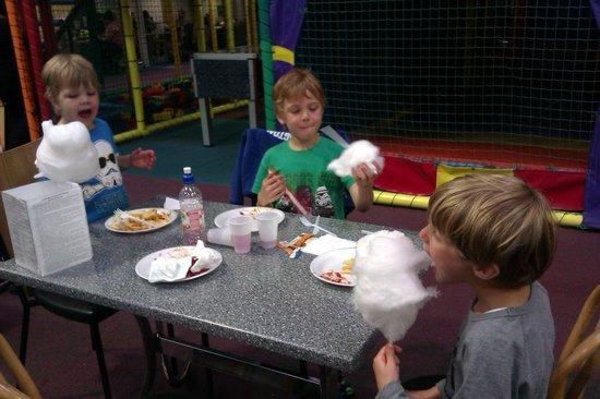 Activity World: Chomping Candy Floss