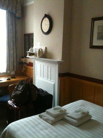 Lincoln House Hotel: Suíte Casal - mesa de apoio