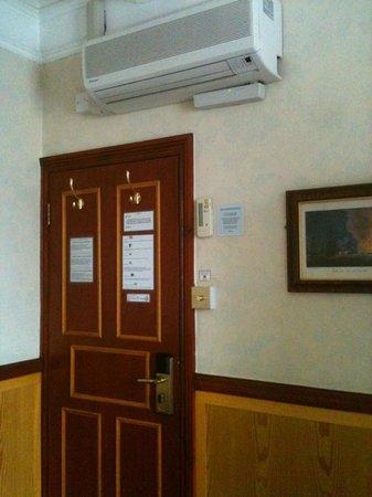 Lincoln House Hotel: Suite Casal - Calefação ou Refrigeração