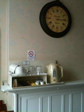 Lincoln House Hotel: Suite Casal - utensílios para chá e café
