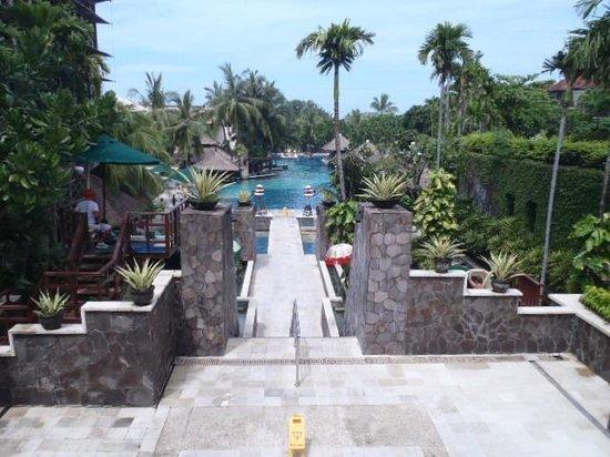 ハードロック ホテル バリ , プールの雰囲気2