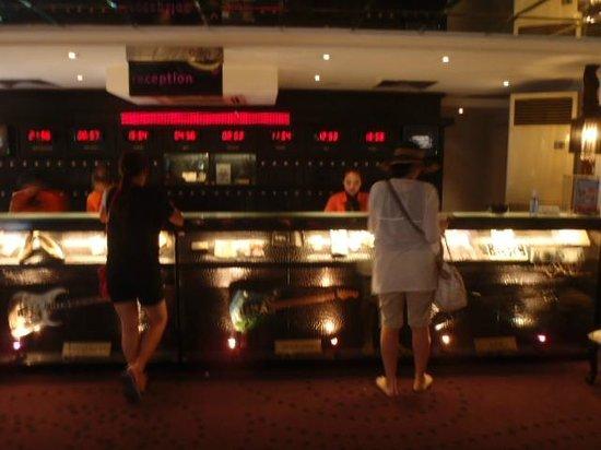 Hard Rock Hotel Bali: ロビー