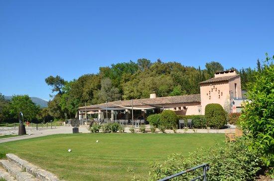 La Terraza del  hotel  Chateau de la Begude