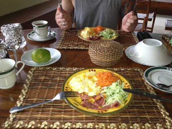 Serenity Lodges Dominica: Frühstück