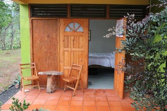 Serenity Lodges Dominica : Eingang zu unserem Zimmer (eher ein Familienbereich mit 2 Schlafzimmern)