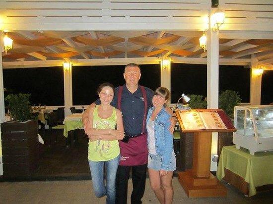 Palmera Beach Hotel : Александр, хороший человек) знает 10 языков)