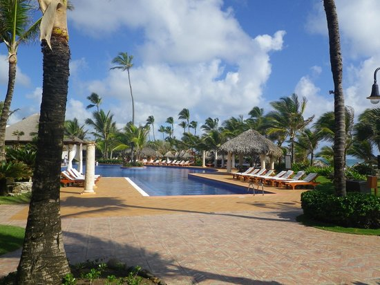 Excellence Punta Cana: The pool is huge