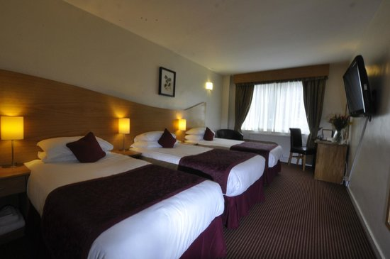 Kensington Court Hotel: Triple room