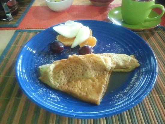 Taura'a Hotel: 朝食のクレープ