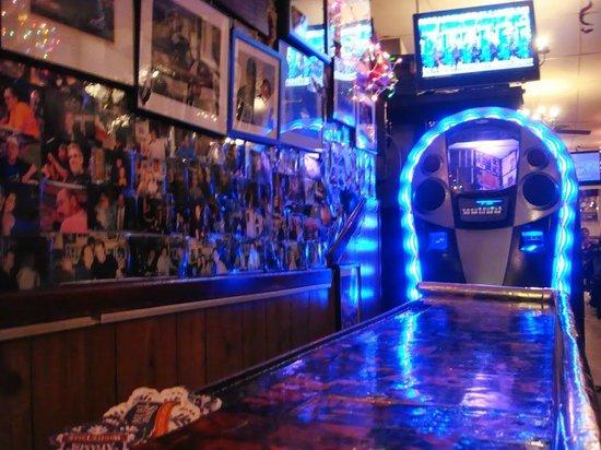 Jimmy's Corner: Counter & Juke box view