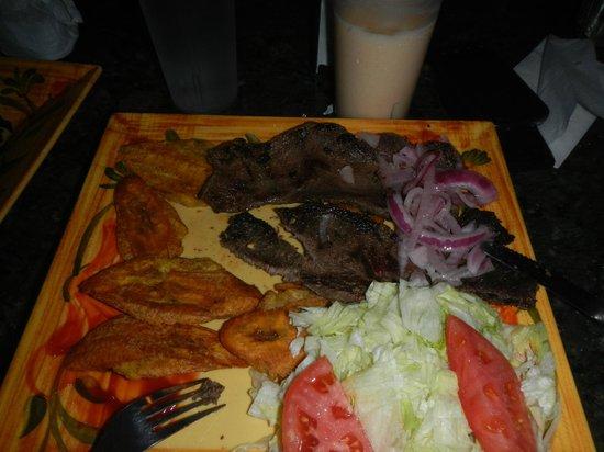 La Tambora Dominican Restaurant : Churrasco & tostone