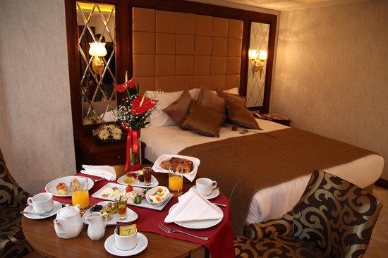 Amethyst Hotel Istanbul: CORNER SUIT ROOM