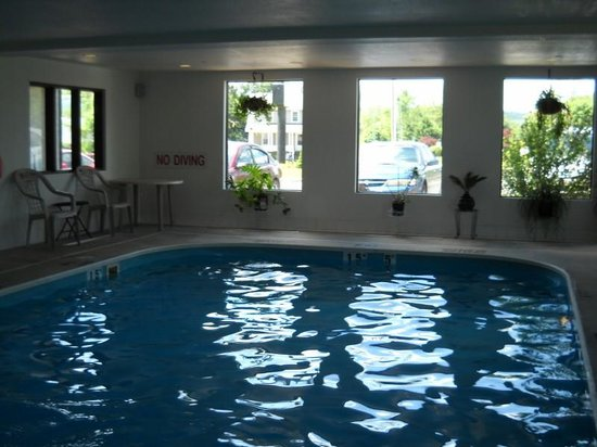 Comfort Inn Huntingdon: pool
