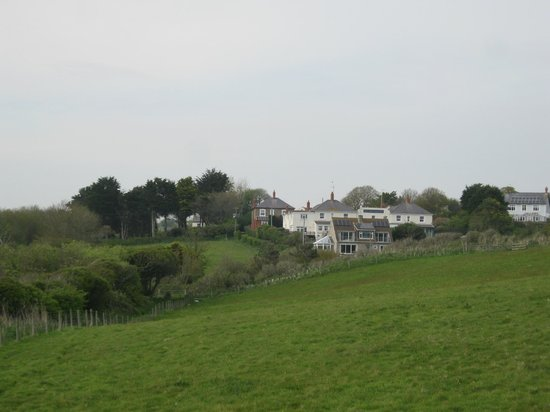 Eype's Mouth Country Hotel: Looking up from the Beach