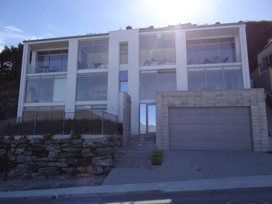 No 70 studio accommodation queenstown apartment reviews for 70 panorama terrace queenstown