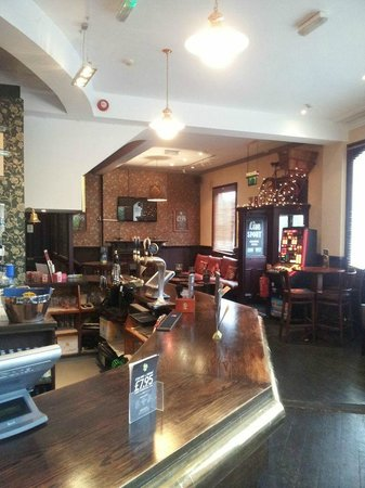 Inside the Norbiton and Dragon