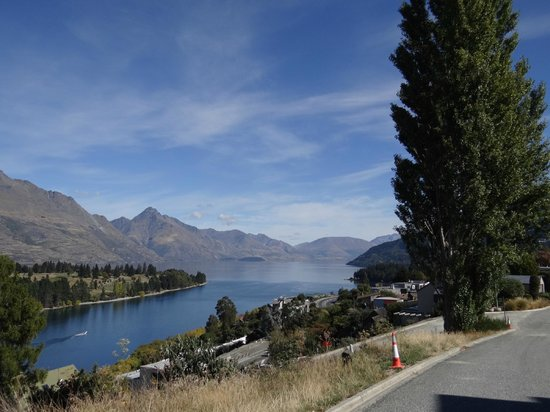 No 70, Studio Accommodation Queenstown: Another view from the terrace