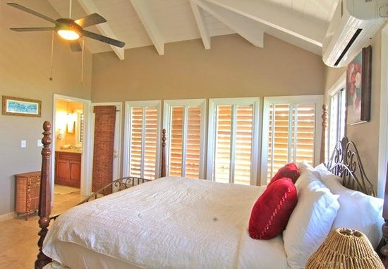 Neptune Villas: Master Bedroom