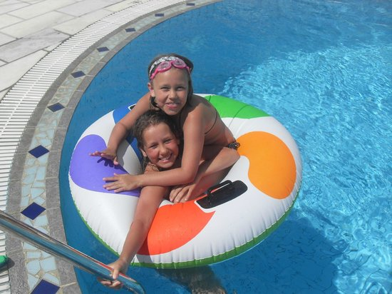 Sideris Sunflower Villa: pool fun