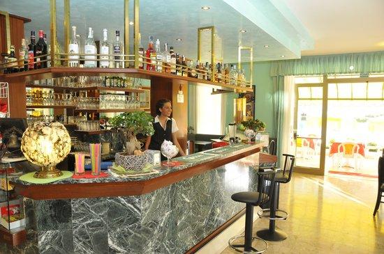Hotel Jadran: Bar